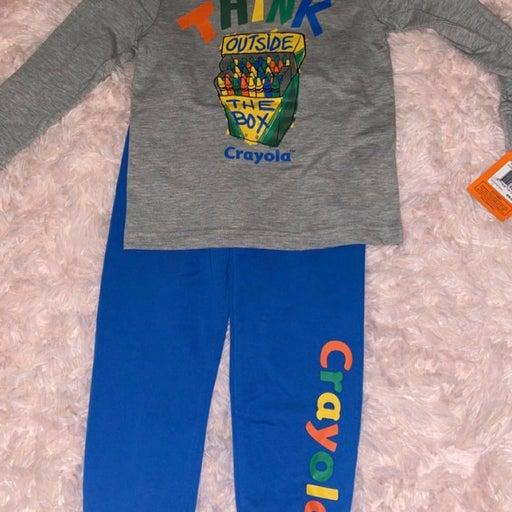 Crayola 2-piece outfit sizs 6