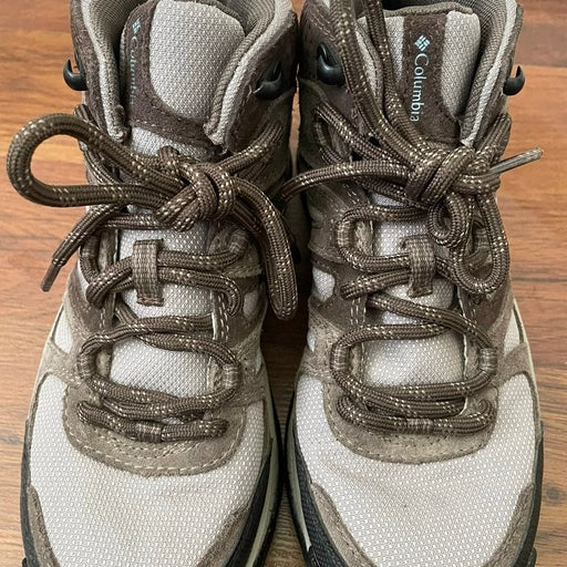 $90 Columbia Women's  7 Omni Grip boots