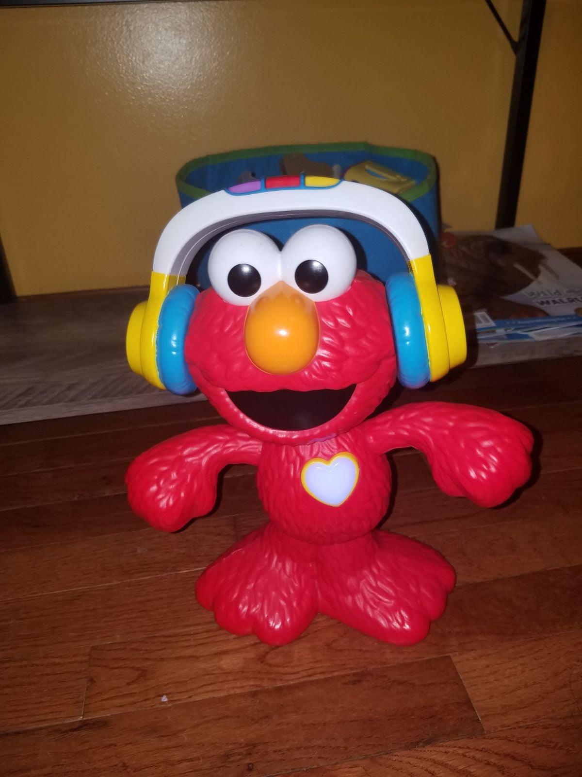 Let's Dance Elmo Toy EUC