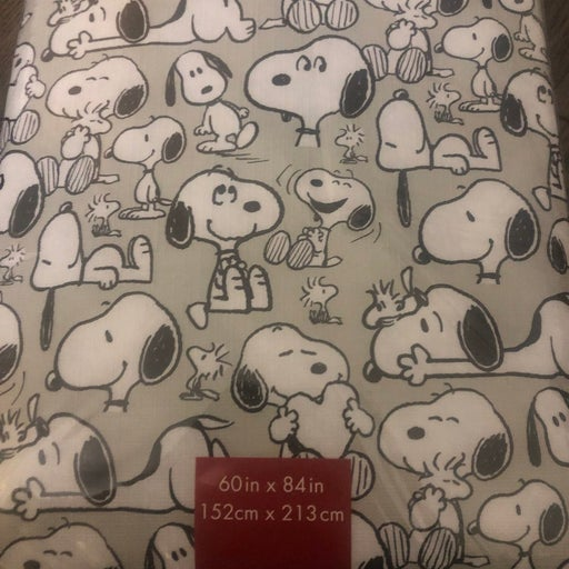 Snoopy tablecloth 60x84in