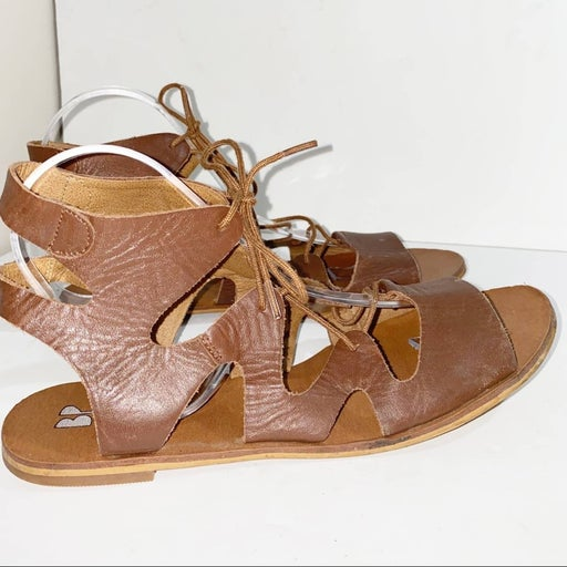 BP Leather Gladiator Flat Sandals Size 9