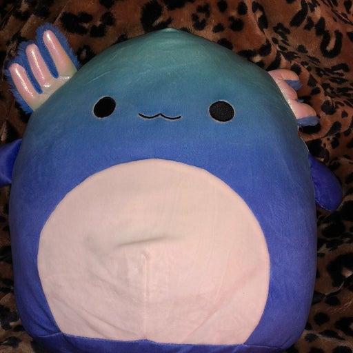 Squishmallow miss V axolotl