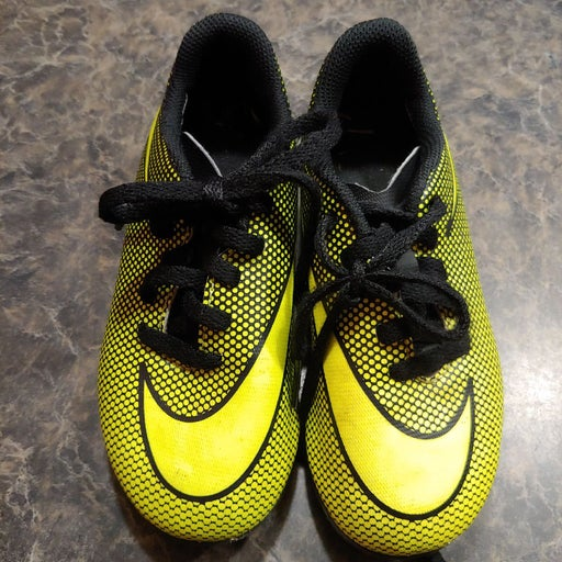 Kids Nike Soccer Cleats