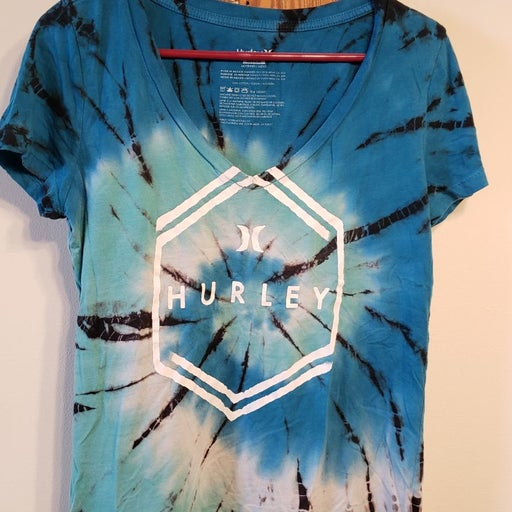 Hurley tie dyed v neck tee