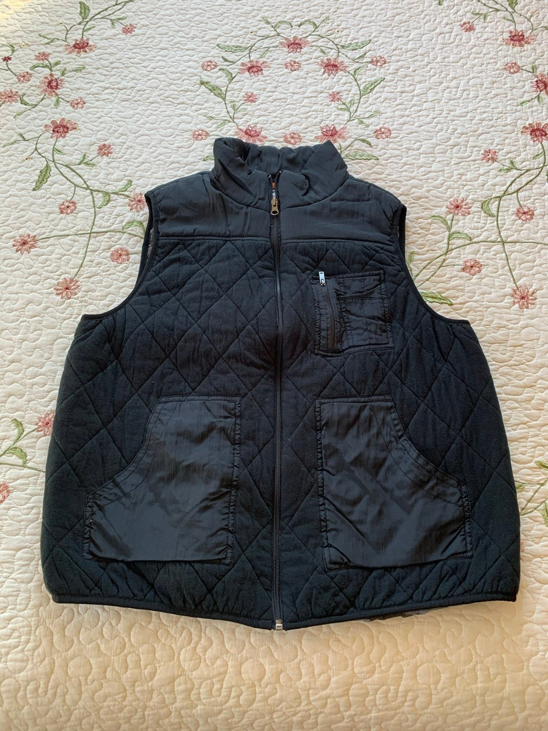 Mossimo Quilted Puffer Vest